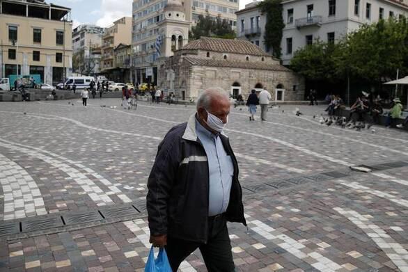 """Βατόπουλος: """"Υπάρχει μια αργή αλλά σταθερή επιπέδωση της καμπύλης των κρουσμάτων"""""""