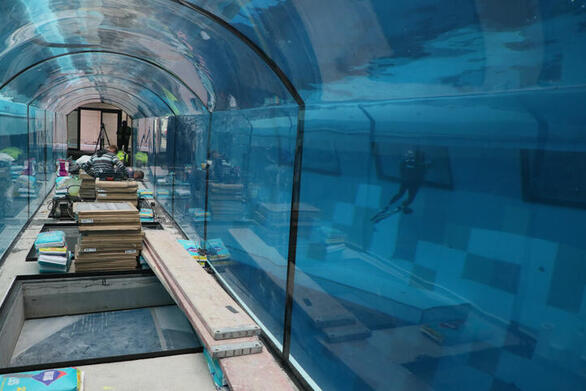 Στη Βαρσοβία η βαθύτερη πισίνα του κόσμου