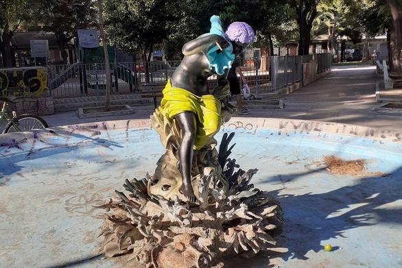 Η Αμάλθεια της πλατείας Όλγας έβαλε χρώμα και πάει για το… καρναβάλι!