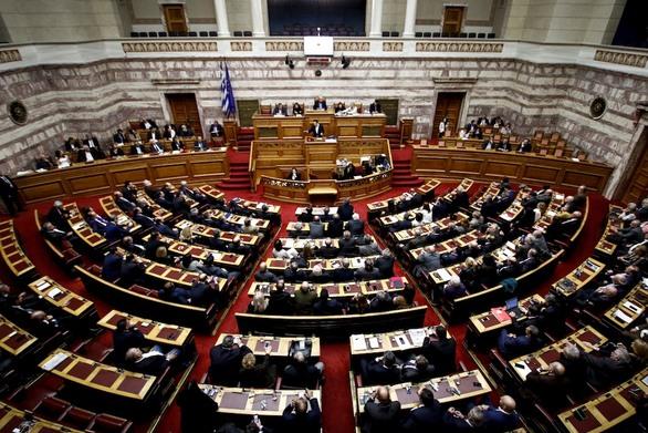 Αυτοί είναι οι 21 βουλευτές που ρίχνονται στη μάχη της πανδημίας