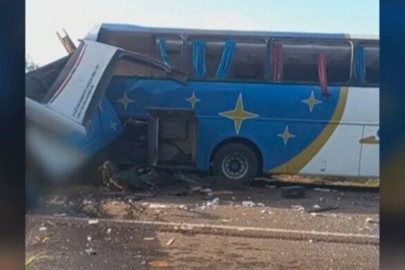 Βραζιλία: Πάνω από 30 νεκροί σε σύγκρουση λεωφορείου με φορτηγό