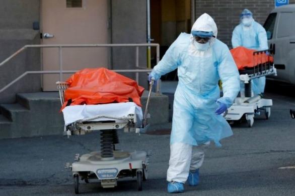 Covid-19: Νέο σοκ στις ΗΠΑ με πάνω από 2.400 θανάτους
