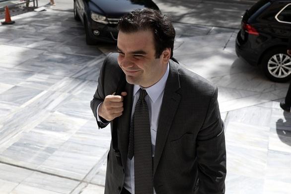 """Πιερρακάκης: """"Οι πολίτες μπορούν να κάνουν τα ραντεβού στα ΚΕΠ μέσω τηλεδιάσκεψης"""""""