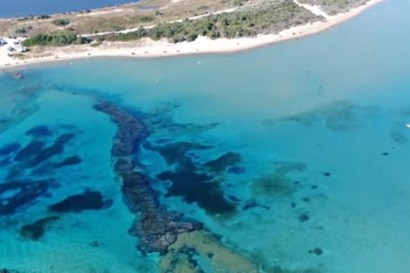 """Παραλία """"Ασπίδα του Βρασίδα"""": Η πιο... ιστορική της Ελλάδας (video)"""