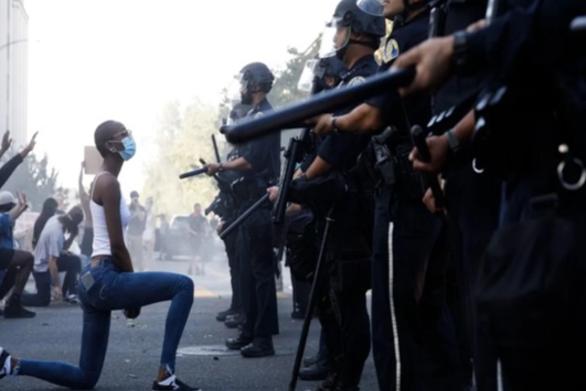 """Νότης Μαυρουδής: """"Δυνάμεις καταστολής"""""""