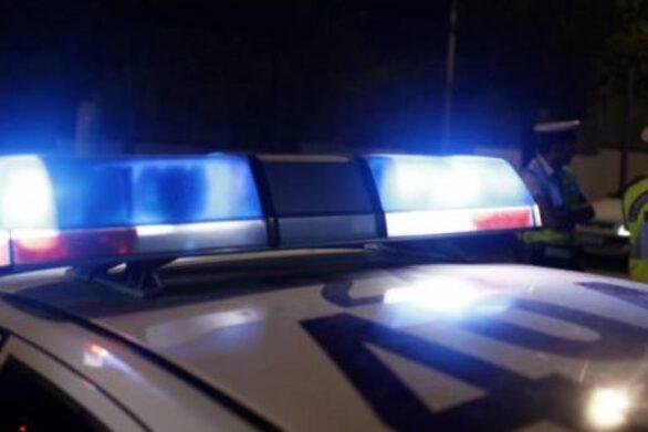 Πάτρα: Αυτοκίνητο προσέκρουσε σε φωτεινό σηματοδότη