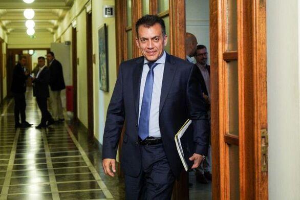 """Βρούτσης: """"Κανόνας για το επίδομα είναι τα 534 ευρώ"""""""