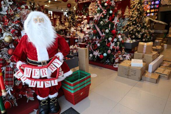 """Έμποροι Πάτρας: """"Αθέμιτος ανταγωνισμός η πώληση Χριστουγεννιάτικων ειδών από τα Super Market"""""""