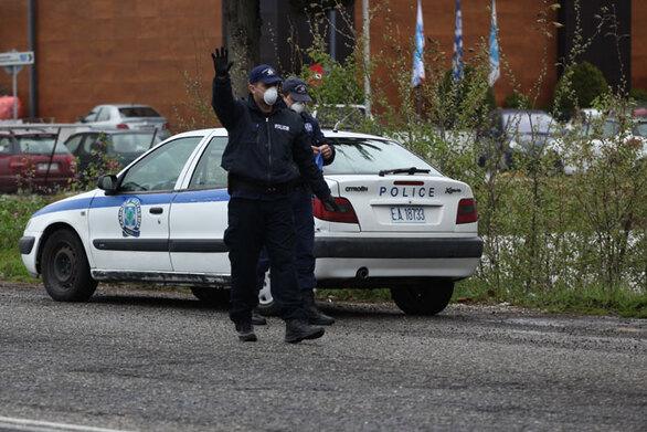 Πάτρα - Covid-19: Αστυνομικοί προχώρησαν σε ελέγχους σε Ιερούς Ναούς