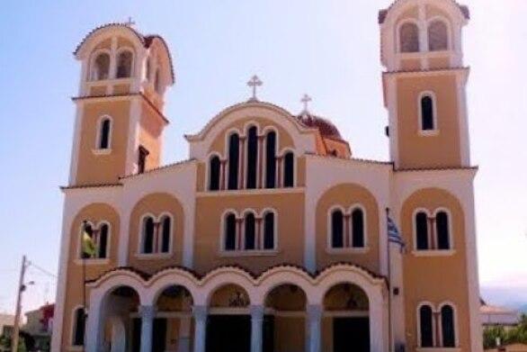 Πάτρα: Διαμαρτυρίες πιστών στην αστυνομία στον Άγιο Ελευθέριο