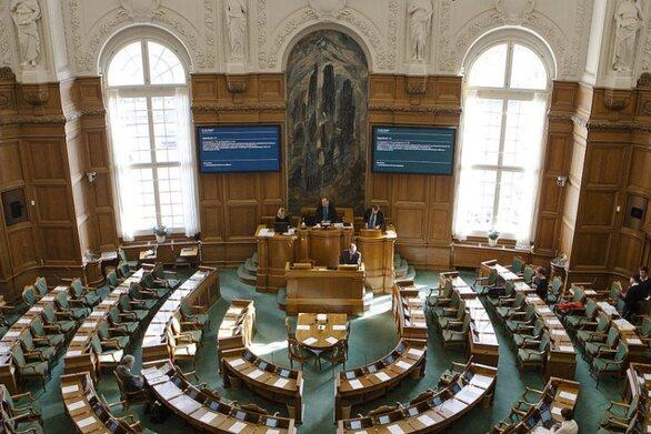 Δανία: Κλείνει το κοινοβούλιο λόγω αύξησης κρουσμάτων Covid-19