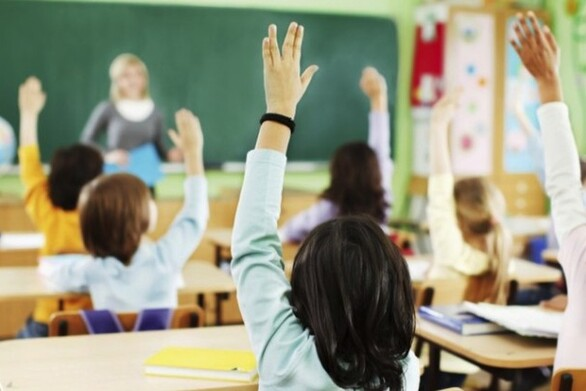 Πάτρα: Κινητοποίηση Δασκάλων και Νηπιαγωγών στην Περιφερειακή Διεύθυνση Εκπαίδευσης