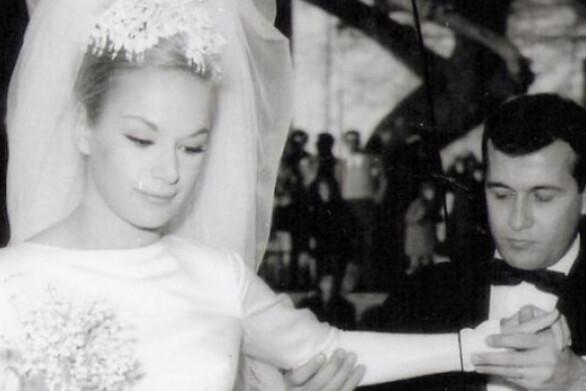 Οι μπομπονιέρες από τον γάμο της Αλίκης Βουγιουκλάκη με τον Δημήτρη Παπαμιχαήλ