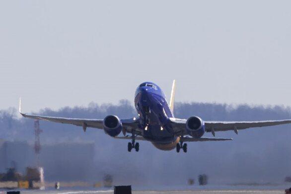«Σηκώνεται» και στην Ευρώπη από την επόμενη εβδομάδα το Boeing 737 MAX