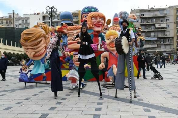 Τα αθηναϊκά κανάλια φέτος έπαιξαν το «διαφορετικό» Πατρινό Καρναβάλι! (vids)