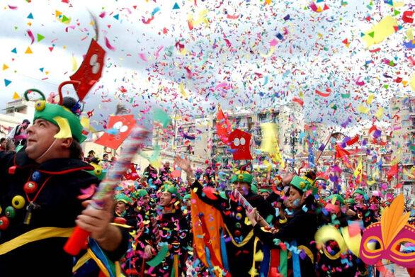 """Ώρα Πατρών: """"Οβιδιακές μεταμορφώσεις 100.000 ευρώ έως τώρα για ένα καρναβάλι που δεν γίνεται"""""""