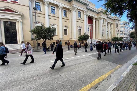 Πάτρα: Φοιτητικό συλλαλητήριο ενάντια στο νομοσχέδιο του υπ. Παιδείας (φωτο)