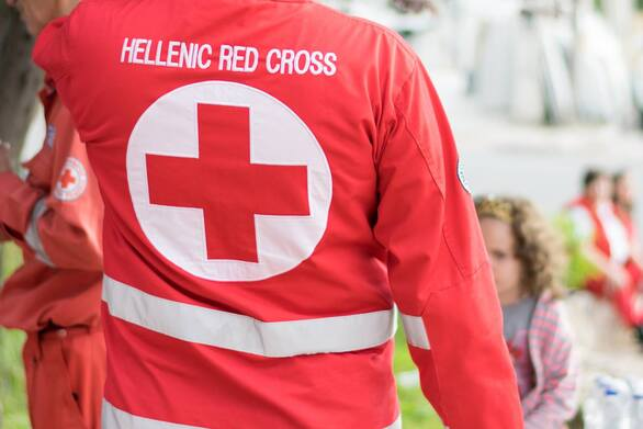 Ο Ελληνικός Ερυθρός Σταυρός στο πλευρό ευάλωτων συνανθρώπων μας για την ασφαλή μεταφορά τους στα κέντρα εμβολιασμού