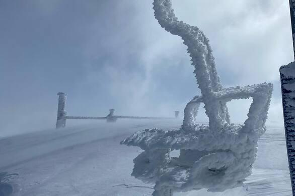 Υπέροχο λευκό σκηνικό στο Χιονοδρομικό Κέντρο Καλαβρύτων (pics)
