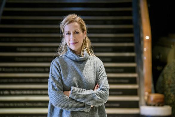 Τι λέει η Πατρινή Σοφία Βγενοπούλου για το πρόγραμμα με τους ανήλικους πρόσφυγες στο Εθνικό Θέατρο