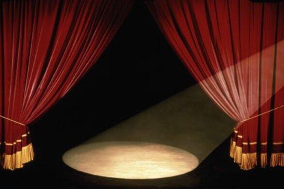 Υπόθεση Λιγνάδη: Ποιος είναι ο δεύτερος ηθοποιός που βρίσκεται στο στόχαστρο των Αρχών