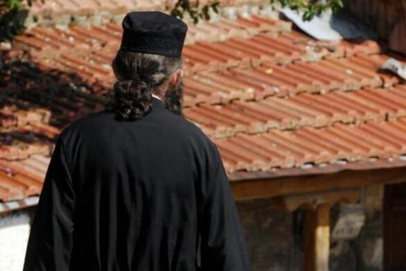Πάτρα - Κορωνοϊός: Ο ιερέας που έμεινε 15 μέρες στο Νοσοκομείο πήρε εξιτήριο (φωτο)