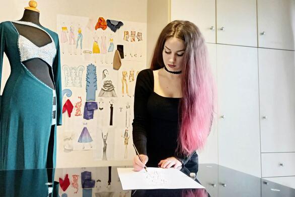 Μαριανίκη Μπανιά - Η Πατρινή σχεδιάστρια βρήκε καινούργιες κατευθύνσεις στη δουλειά της
