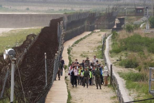 Βορειοκορεάτης φυγάς σουλατσάριζε επί ώρες με μαγιό προτού τον πιάσουν οι Αρχές