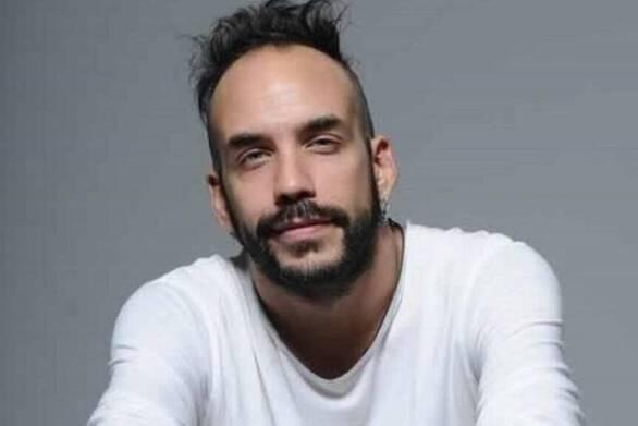 """Πάνος Μουζουράκης: """"Πέθανε ο πατέρας μου κι ένιωσα το άγγιγμά του"""" (video)"""