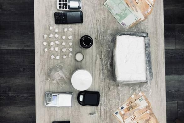 Πάτρα - Υπόθεση κοκαΐνης: Οι συλληφθέντες είχαν διακινήσει τα ναρκωτικά σε τουλάχιστον 50 χρήστες (video)