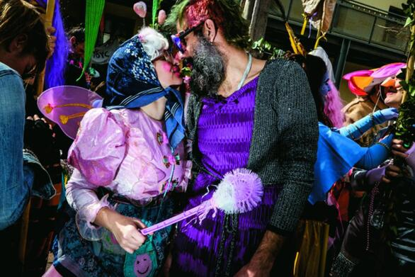 Πάτρα: Οργανώνουν πριβέ καρναβαλικά πάρτι σε σπίτια