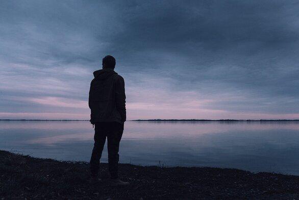 Μοναξιά - Οι ασυνήθιστες μέθοδοι για να την ξεπεράσετε