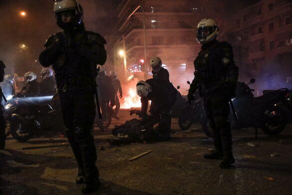 Επεισόδια Νέα Σμύρνη: Ένας από αυτούς που ξυλοκόπησαν τον αστυνομικό ανάμεσα στους συλληφθέντες