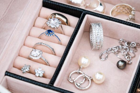 Έκλεψαν κοσμήματα μεγάλης αξίας προσποιούμενοι τους τεχνικούς της ΔΕΗ