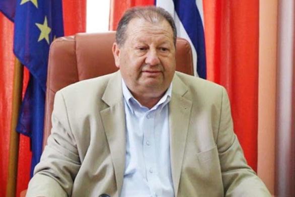 """Δήμαρχος Αιγιάλειας: """"Ας αποφύγουμε για λίγο ακόμα, συνωστισμούς και φιλικές συγκεντρώσεις"""""""