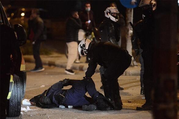 Νέα Σμύρνη: Στην ανακρίτρια ο αστυνομικός που ξυλοκοπήθηκε