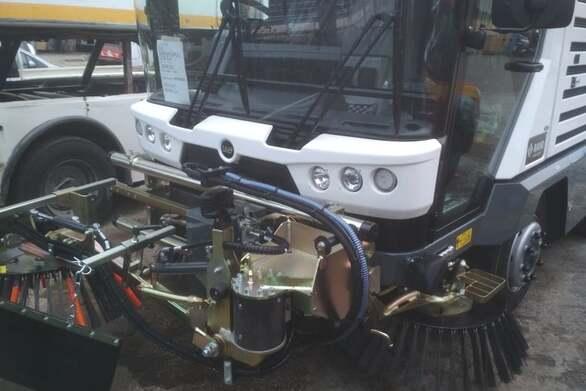 Πάτρα: Νέος μηχανολογικός εξοπλισμός στο στόλο οχημάτων του Δήμου (φωτο)