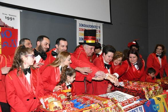 """Πατρινό Καρναβάλι - Οι Σοκολατορίχτες """"γλύκαναν"""" τα τηλεοπτικά πλατό παρά την πανδημία"""