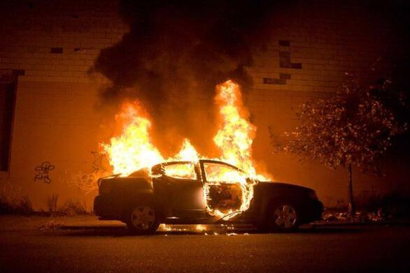 Πάτρα: Δεύτερο περιστατικό φωτιάς σε σταθμευμένο αυτοκίνητο - Προβληματισμός στις Αρχές