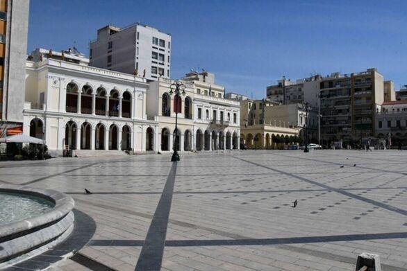 Επιτροπή Λοιμωξιολόγων: «Όχι» σε άνοιγμα καταστημάτων και διαδημοτικές μετακινήσεις σε Θεσσαλονίκη, Κοζάνη και Αχαΐα