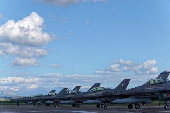 """Μαχητικά αεροσκάφη στον Άραξο για την άσκηση """"Ηνίοχος"""""""