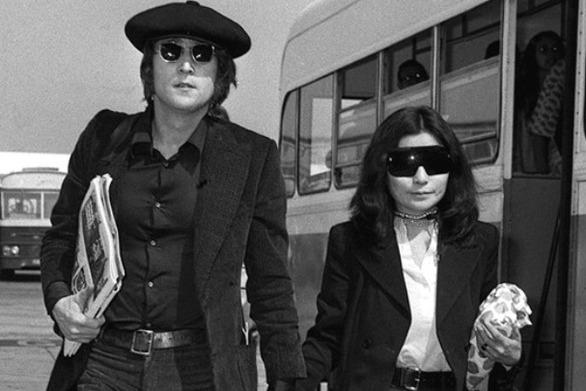 Ακυκλοφόρητα πλάνα από τη ζωή των Lennon και Ono (video)