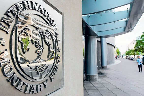 ΔΝΤ - «Βλέπει» χαμηλά πλεονάσματα και υψηλό χρέος ως το 2026 για την Ελλάδα
