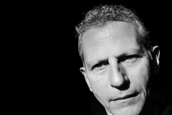 """Ανδρέας Διονυσόπουλος - Μπήκε σε """"καραντίνα στούντιο"""" στο lockdown και έγραφε τραγούδια (vids)"""