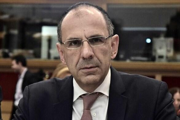 """Γεραπετρίτης: """"Πρέπει να πείσουμε ειδικά τους ηλικιωμένους να εμβολιαστούν"""""""