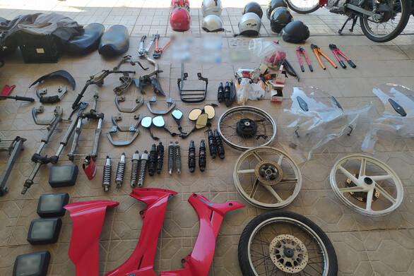 Εντοπίστηκε και δεύτερο εργαστήριο - συνεργείο με κλεμμένα δίκυκλα στην Πάτρα (φωτο)