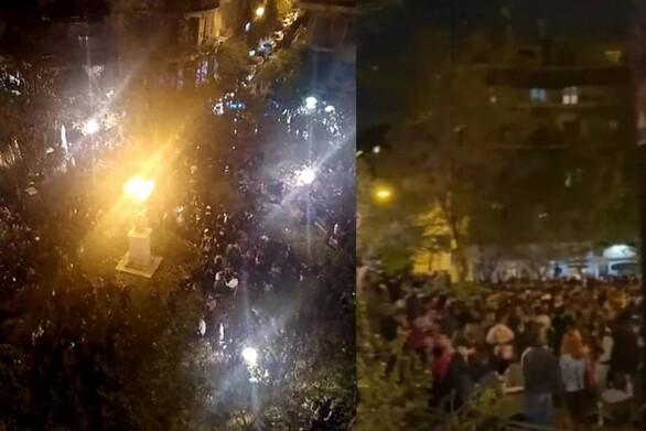 «Βούλιαξαν» οι πλατείες της Αθήνας από τα πάρτι χθες βράδυ (video)