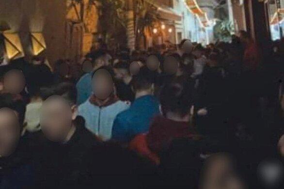 """Δυτική Ελλάδα: Το πάρτι """"καλά κρατεί"""" και στο Αγρίνιο, ενώ η εστίαση παραμένει κλειστή"""