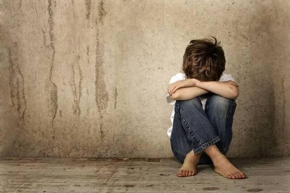 Κορωνοϊός - Αύξησε τις βίαιες συμπεριφορές σε βάρος παιδιών και την εφηβική παραβατικότητα