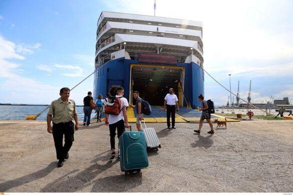 Πρωτόκολλα στα πλοία: Πώς θα ταξιδέψουμε φέτος